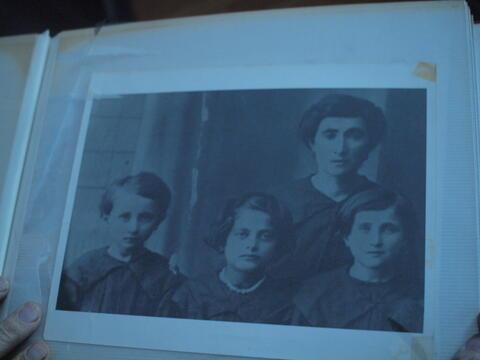 Woman with three Children 2