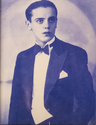 Henry Baigelman Photographed at One of His First Performances