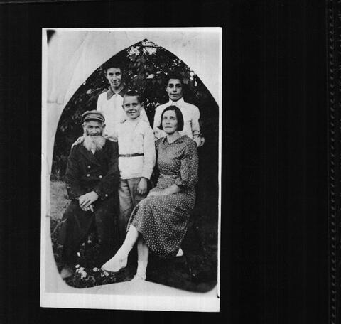 Rita Katz's grandfather, aunt, and cousins, Smorgon 1940