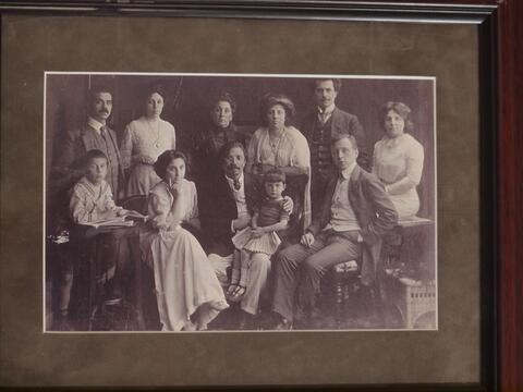 Mitchell Waife Photo- Sholem Aleichem and family