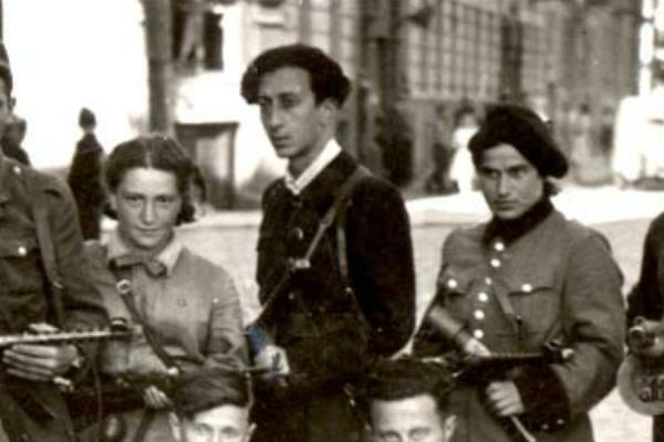 Abba Kovner (back row, center) with members of the Fareynikte Partizaner Organizatsye (FPO) (in English, United Partisan Organization) in Vilna, then Poland.